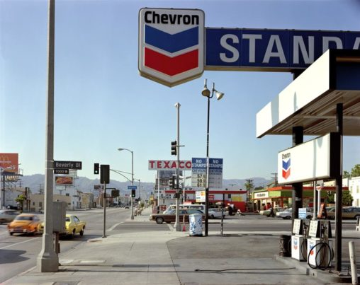 Stephen-Shore-Beverly-Boulevard-La-Brea-Avenue-Los-Angeles-June-21-1975.-Courtesy-of-Stephen-Shore-and-Sprüth-Magers-BerlinLondon-Custom
